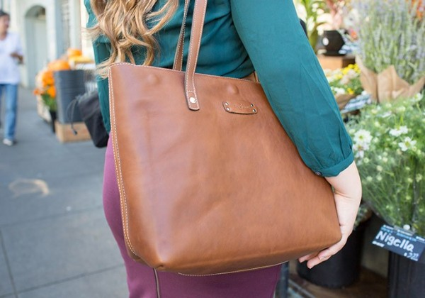 7-brown-laptop-purse-and-tote