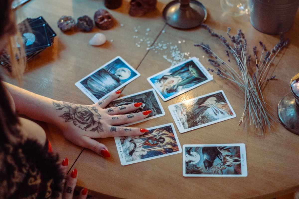 Tarot Readings Available!